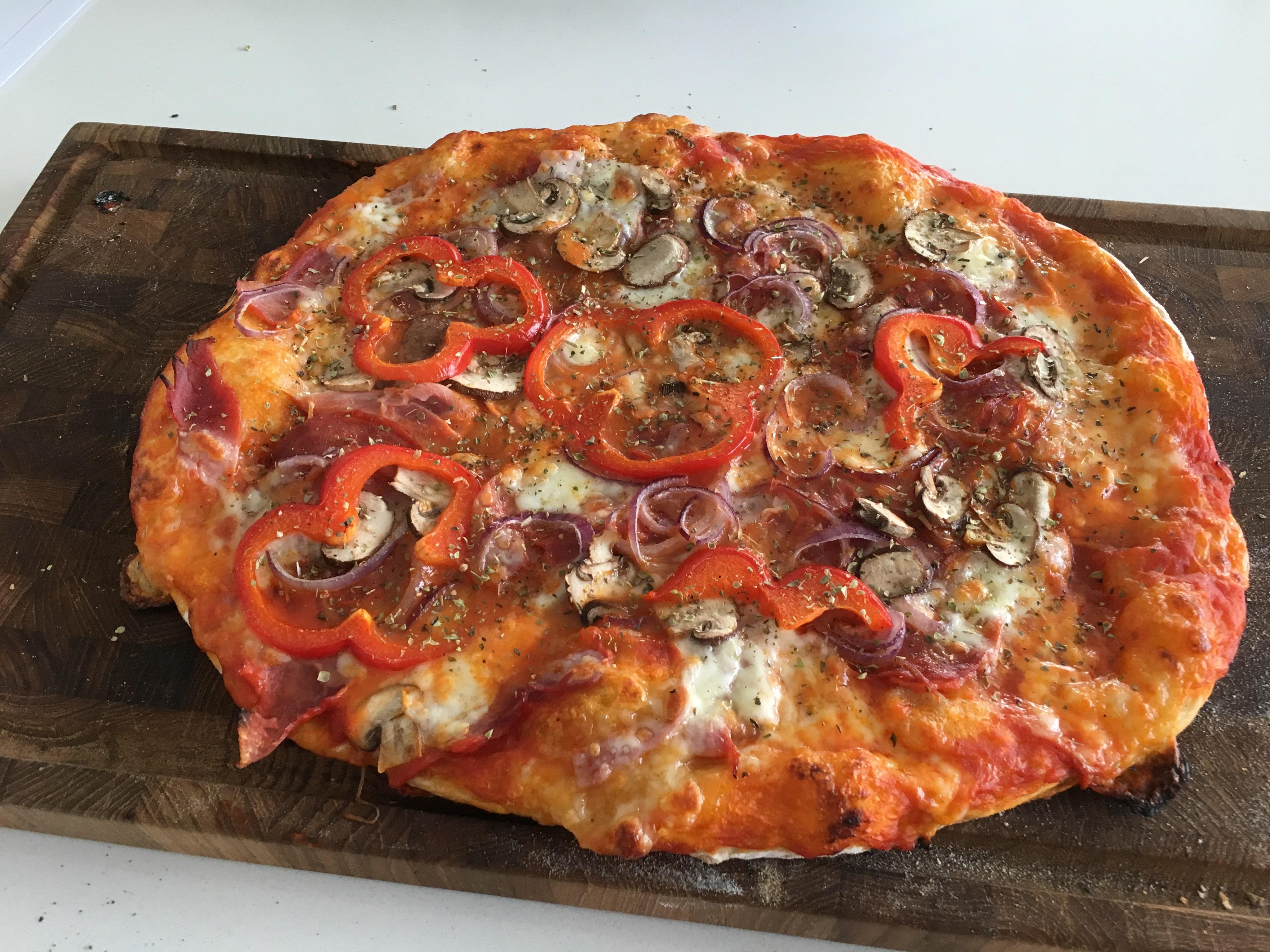 bedste pizza dej pizzadej sprød pizzabund sådan laver du italiensk pizzabund, der er super lækker god opskrift på pizzadej