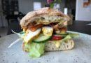 Club Sandwich med kylling og karrydressing (opskrift)