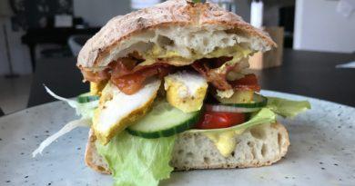 opskrift Club sandwich med kylling og karrydressing clubsandwich sådan laver du lave din egen lækker lækre sandwich med kylling
