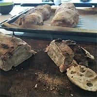 opskrift på Ciabattabrød ciabatta bread recipe italienske brød hjemmelavet sådan laver du hvordan laver man sprød skorpe lækre brød til tapas