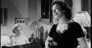Klokkeblomst, bellis og følfod - tekst og video (Lily Broberg 1952) teksten til