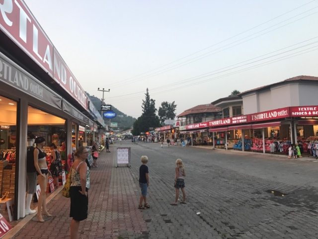 Sarigerme marked shopping handelsgade tyrkiet