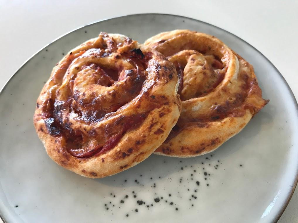 god opskrift på pizzasnegle børnemad fødselsdag tur til legoland mad til udflugten opskrift verdens bedste pizza snegle