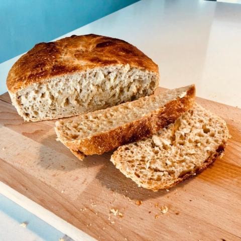 grydebrød verdens bedste brød opskrift på sådan laver du støbejernsgryde æltefrit brød let letteste
