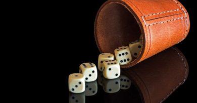 regler til reglerne 10000 10.000 sådan spiller du hvor får man point i titusind 3 ens straight fuldt hus