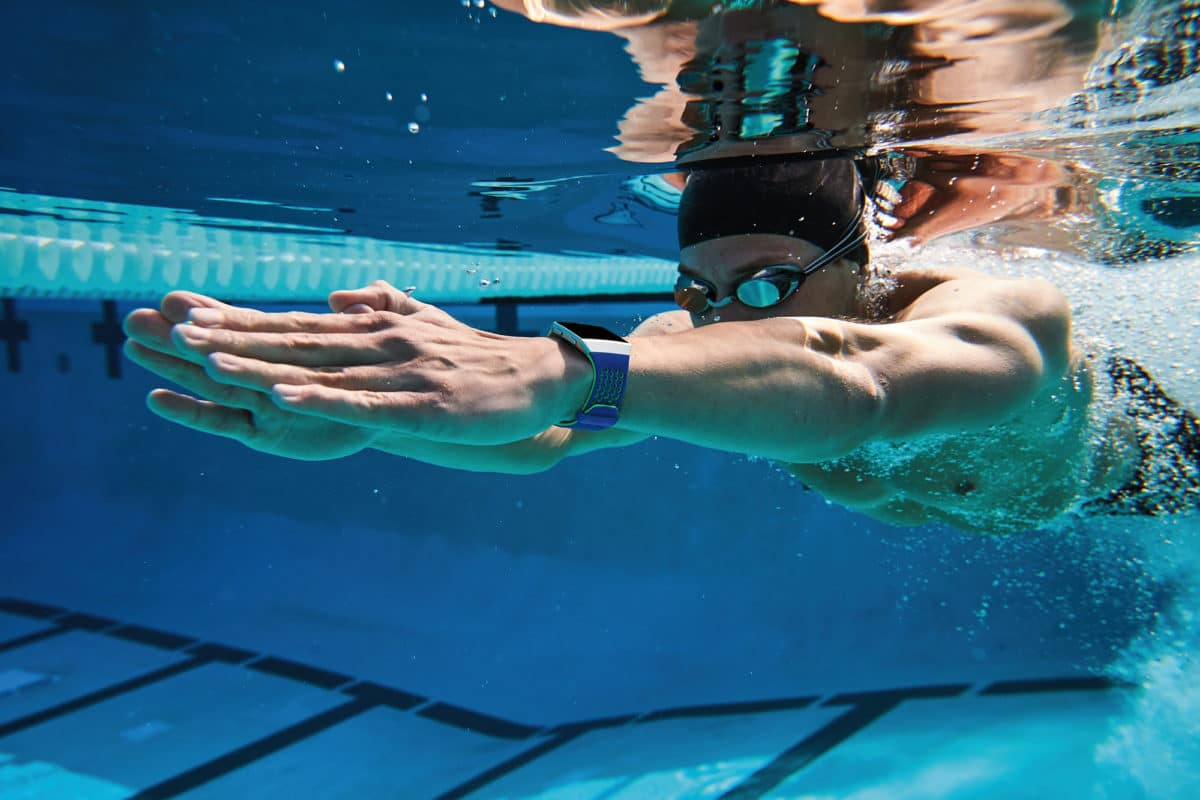 test af Fitbit Ionic godt gps ur træningsur anmeldelse hvilket ur skal jeg vælge