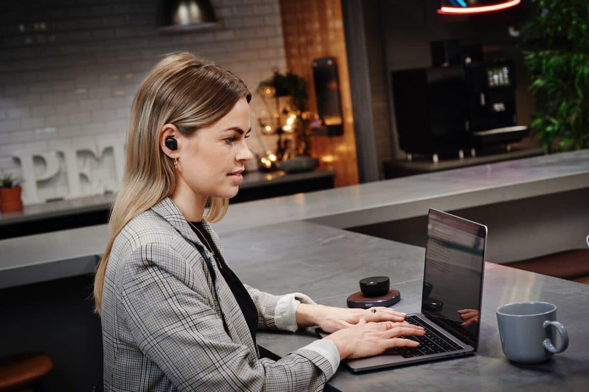 test af Sackit ROCKit headphones høretelefoner test anmeldelse af erfaring batteritid lydkvalitet earbuds sportsheadset til løb crossfit