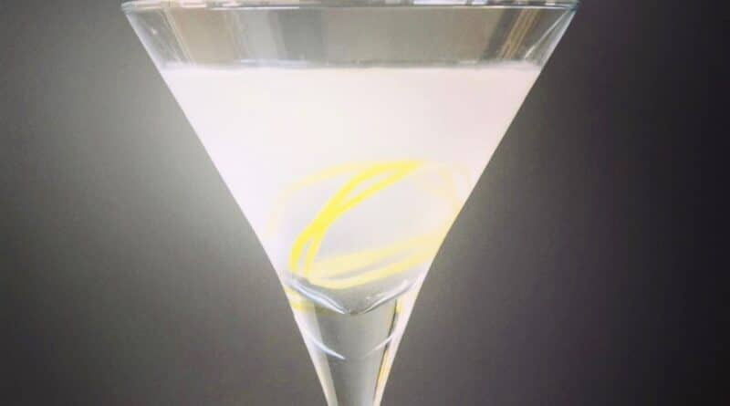 Vesper Martini opskrift cocktail james bond agent 007 casino royal