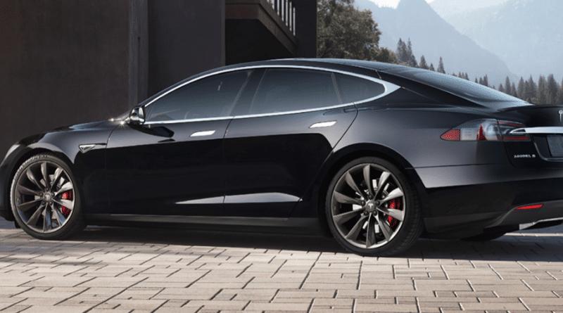 Køb af brugt Tesla Model S hvad skal man være opmærksom på mange kilometer betyder det noget autopilot 1, hvordan ser man om den har autopilot tips og tricks tesla dæktryk indvendige trikcs
