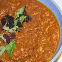indisk lammegryde opskrift kanel chili stærk hot lækker creme velsmagende indisk mad hjemmelavet