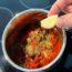 opskrift tomatsauce hjemmelavet god med chili og oregano basilikum timian pizza pastaret pasta spaghetti med hvidløg