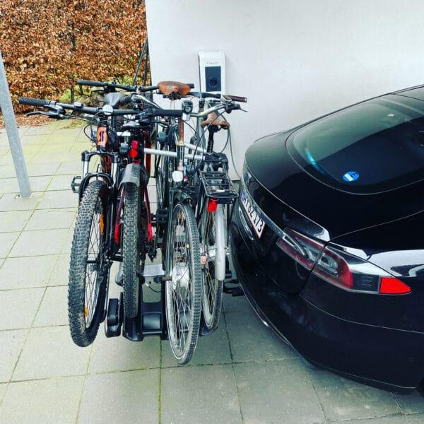 Thule VeloCompact 927 926 Eftermontering af anhængertræk Tesla model s 2015 2014 2013 2016 montering Hinnerup Auto erfaring værksted Jylland gdw