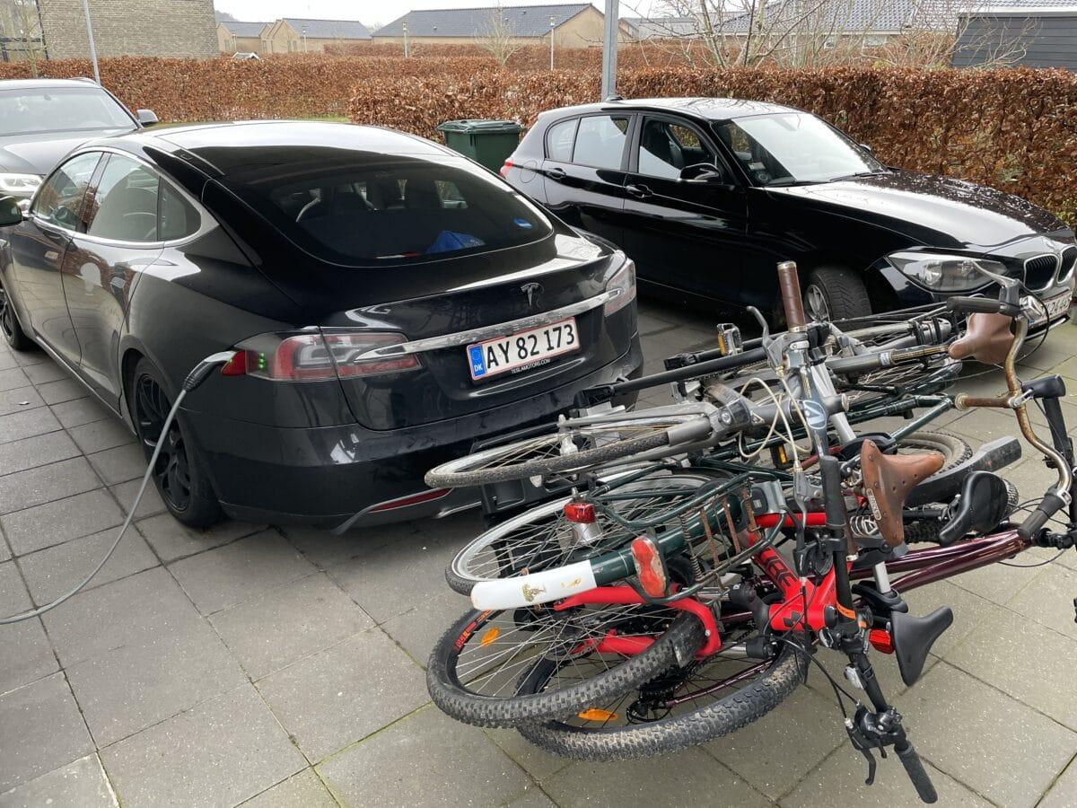 Test af thule VeloCompact 927 926 cykelstativ cykelholder til 3 cykler 4 cykel skinne adapter adaptor ekstra anmeldelse erfaring med cykelanhænger