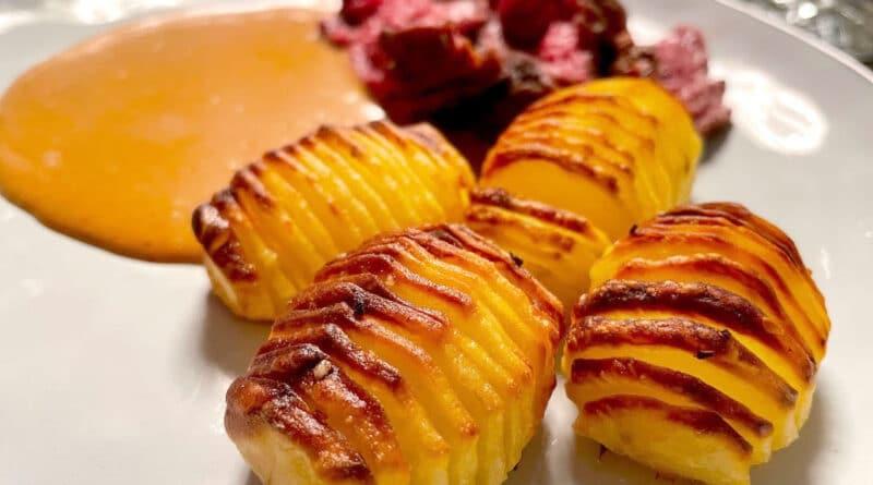 hasselback kartofler hasselbagte kartoffel opskrift på sådan laver du