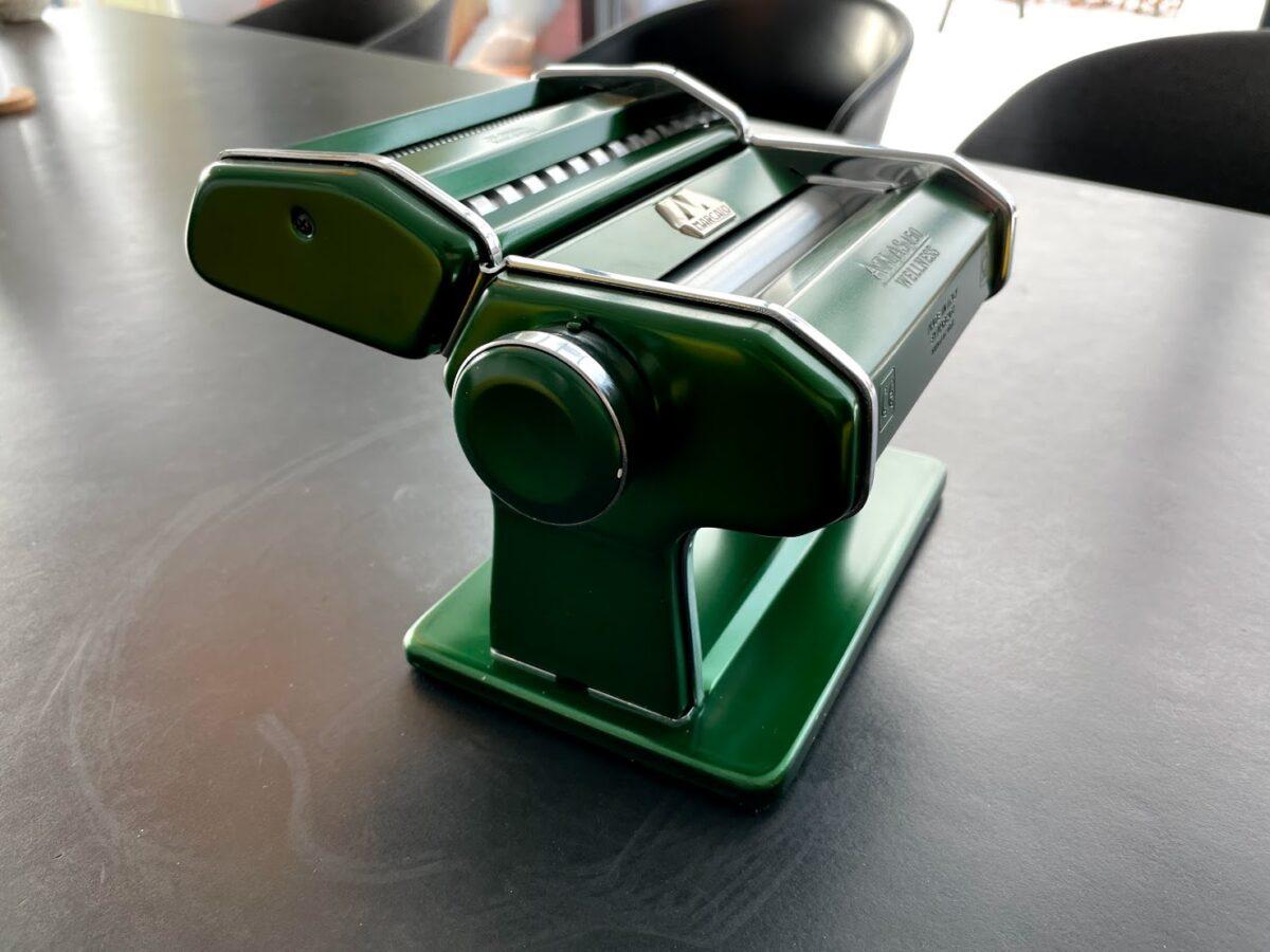 Test af pastamaskine bedste god pasta maskine Marcato Atlas Fettucine Tagliolini 150 kvalitet erfaring med motor tilbehør til