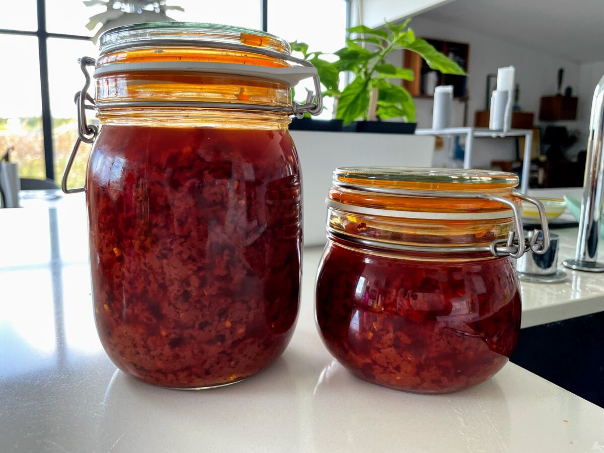 chili sauce opskrift hjemmelavet hvordan laver man chilisauce olie chilli sovs friske chilier eller tørret tomat hvilken olje